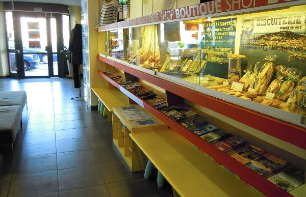 Oficina de turismo en s te 1 opiniones y 2 fotos for Oficina de viajes
