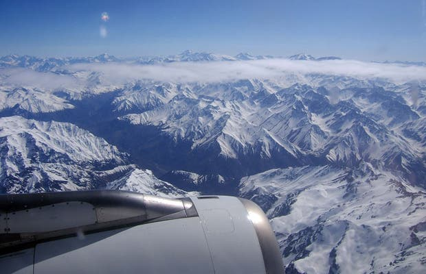 Views of the Cordillera de los Andes from the air