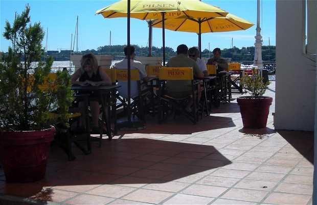 Delyacht Restaurant