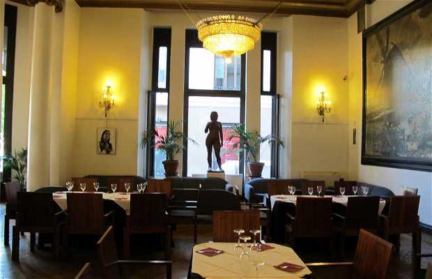 Cafeteria Del Círculo De Bellas Artes. La Pecera