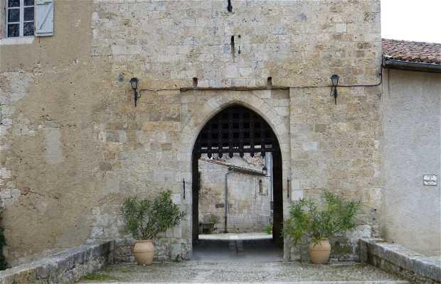 Torre y Puerta medieval Sarrant