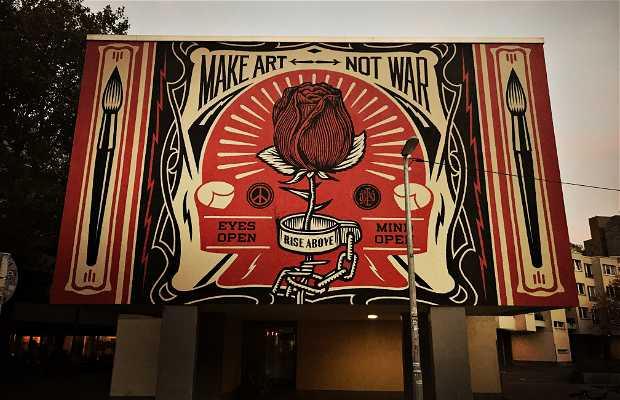 Mural Make Art not War
