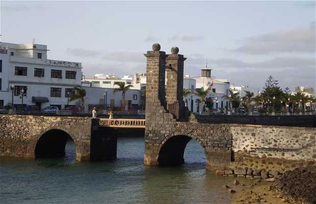 Puente de las Bolas y Castillo