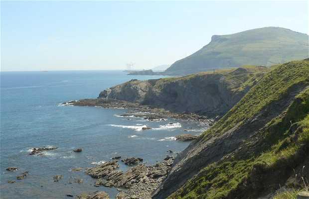 Cliffs of Cobarón - Itsas Lur