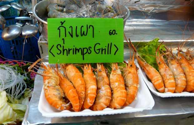 Tailandes del Night Bazar en Chiang Rai Restaurant