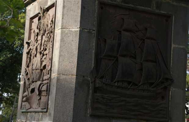 Statue de Mahé de Labourdonnais