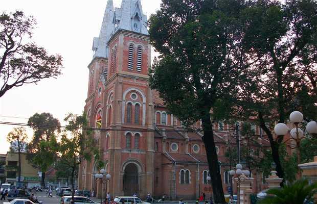 Nhà thờ Đức Bà - Cathédrale de Notre-Dame