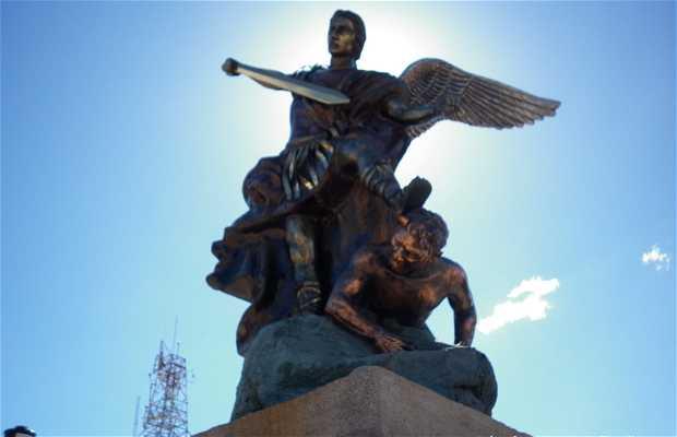 Escultura San Miguel Arcángel