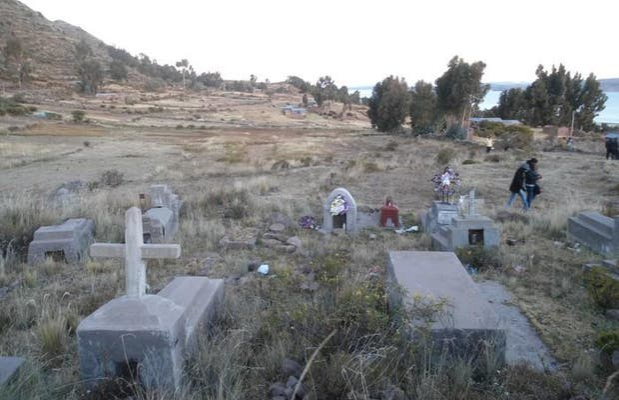 Cementerio de Llachon
