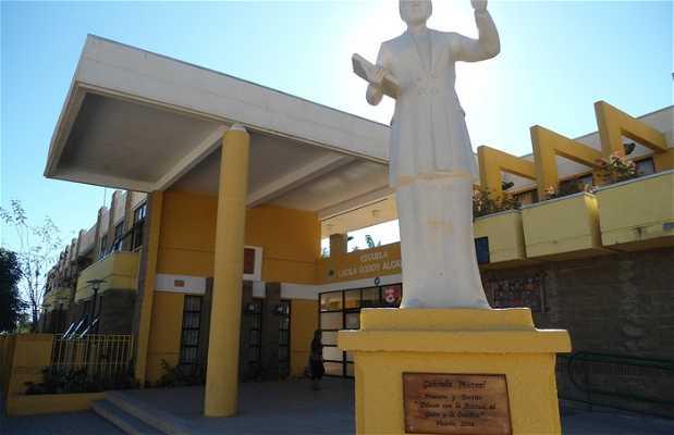 Estatua Gabriela Mistral