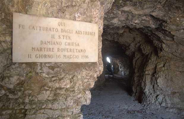 Cueva Damiano Chiesa