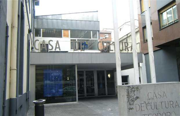 """Maison de culture """" Teodoro Cuesta """""""