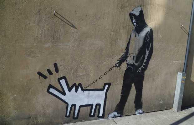Choose Your Weapon - Banksy - Borrado
