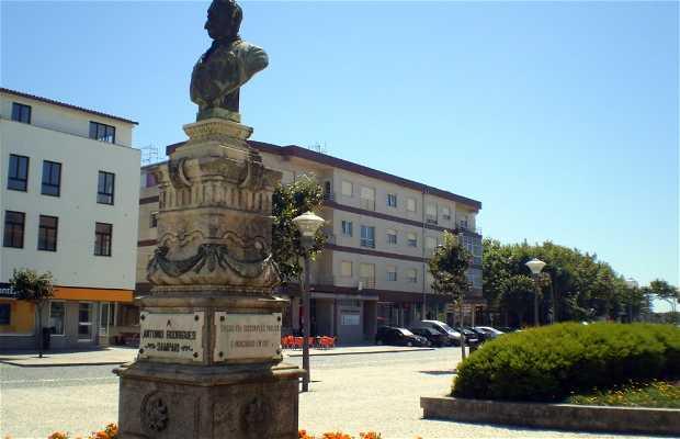Monumento a Rodrigues Sampaio