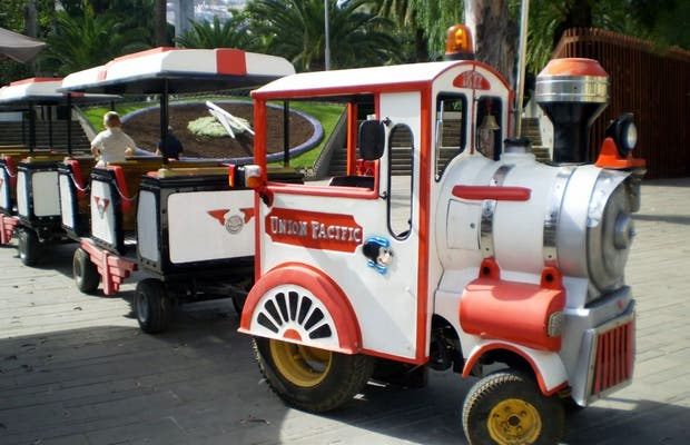 Tourist train of Santa Cruz
