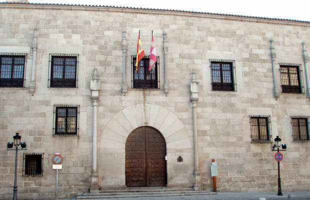 Blasco Núñez Vela palace