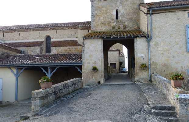 Torre y puerta de acceso Saint Mère
