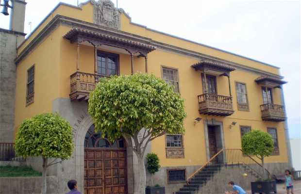 Plaza Luis de León Huertas