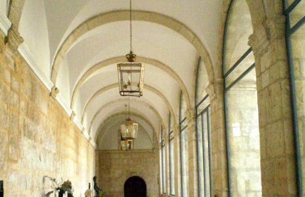 Claustros (Monasterio de La Santa Espina)