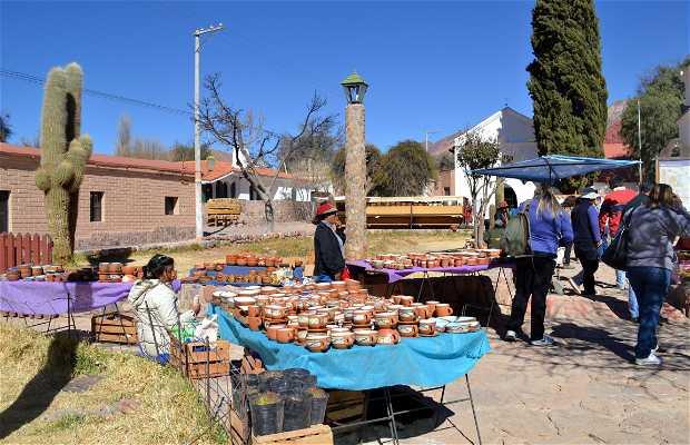 Artesanías en la Plaza Cáceres