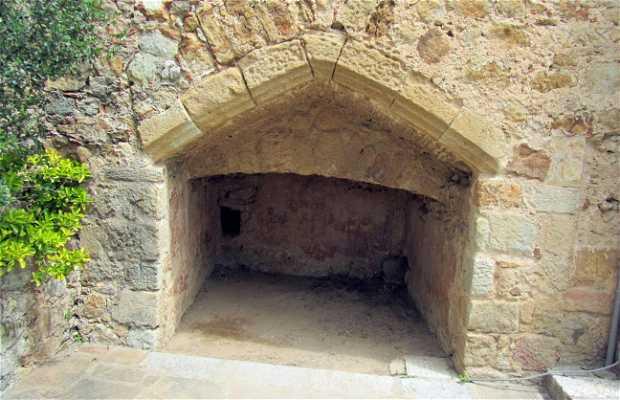 Sepulturas medievales de Pals