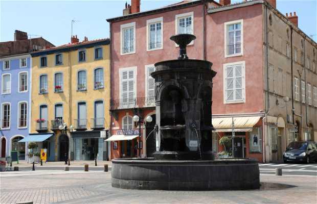 Place de la République à Issoire
