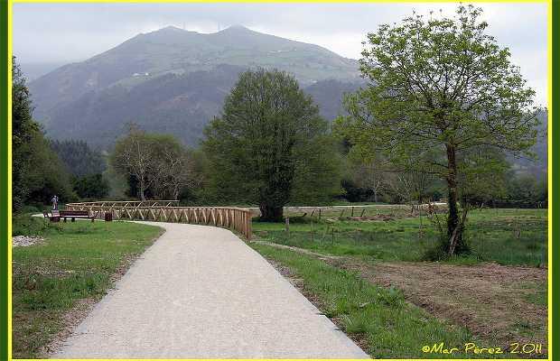 Esqueiro River Path