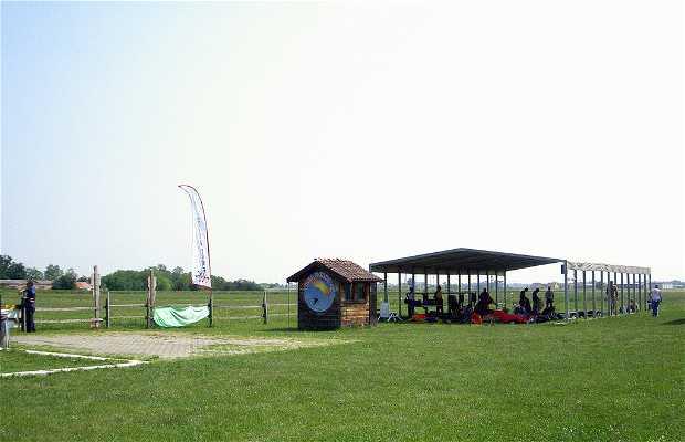 Academia de paracaidismo Area Delta 47