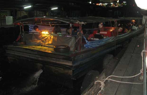 Pratunam Pier