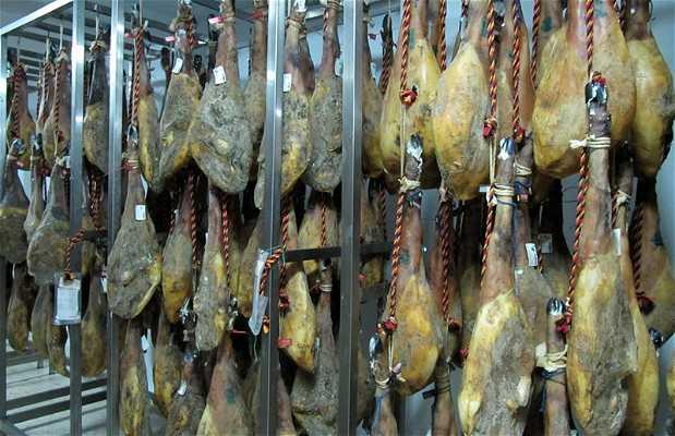 Sierra de Arias Montano Drying hams