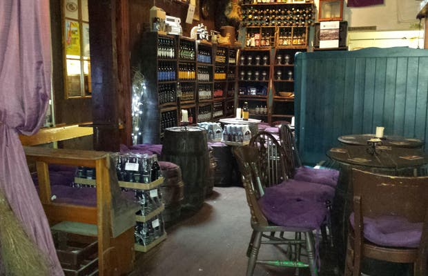 Cervecería y pub Allanwater