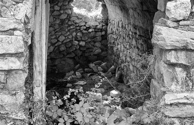 Pueblo abandonado l'Estall (Huesca)