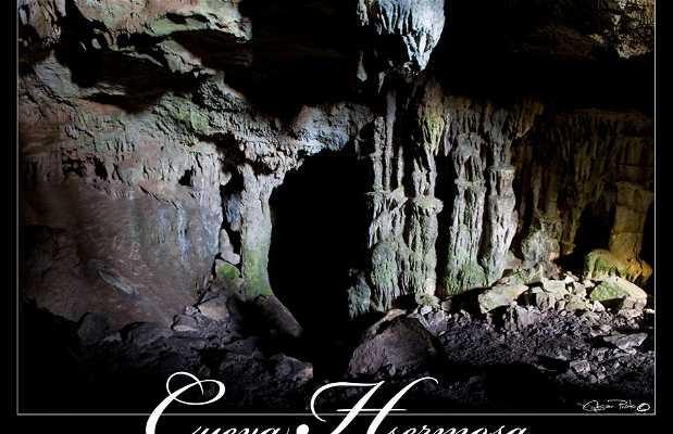 La Cueva Hermosa