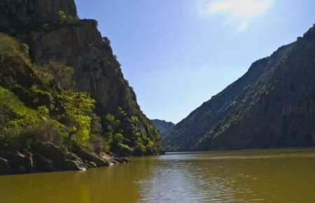 Bateau sur les rives du Duero