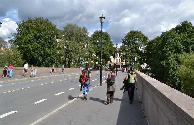 Puente Eventyrbroa
