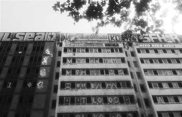 Arte urbano en plaza de espa a en madrid 1 opiniones y 1 for Direccion madrid espana