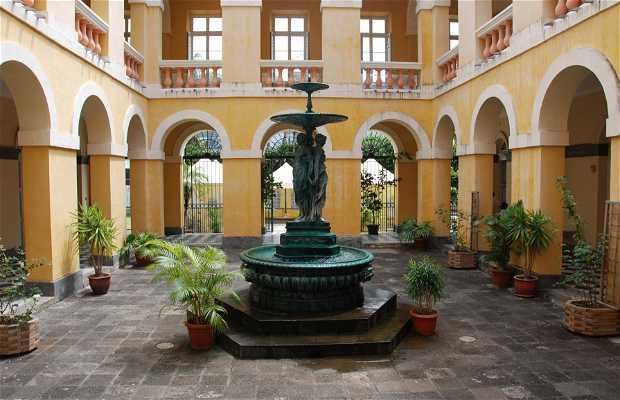 Saint-Denis Old City Hall