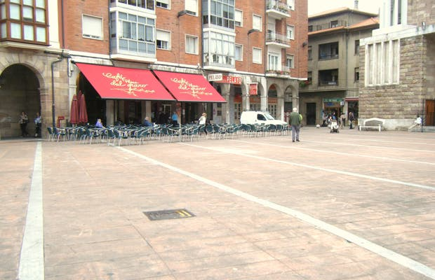 Plaza de Baldomero Iglesias o Plaza del Grano