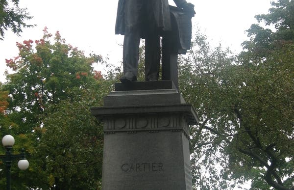 Estatua Jacques Cartier