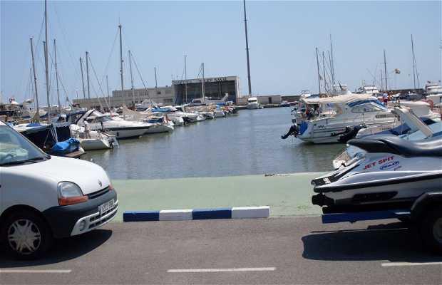 Club nautico di Pobla Farnals a Valencia