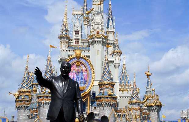 Estatua de Walt Disney