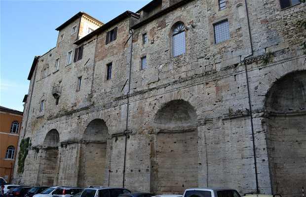 Piazza del mercato romano