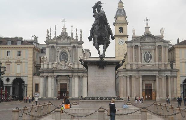 Estatua Emmanuel Philibert
