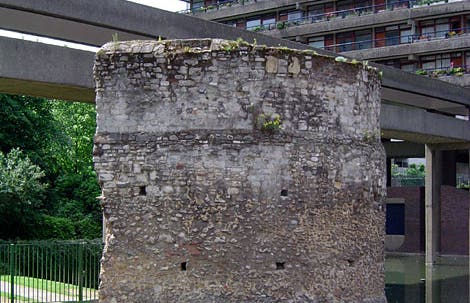 Paseo por los Murallones de Londres (The London Wall)