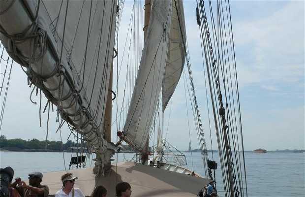 Clipper City Tall Ship cruises
