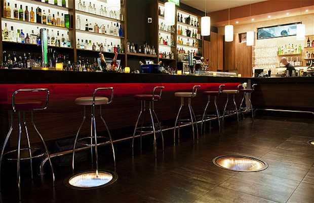 Hobbes Alway the bar