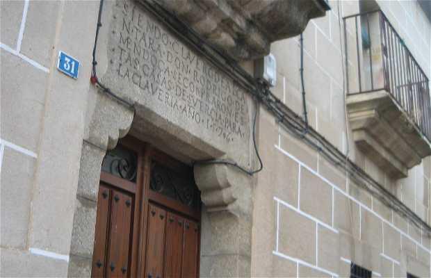 Clavería House