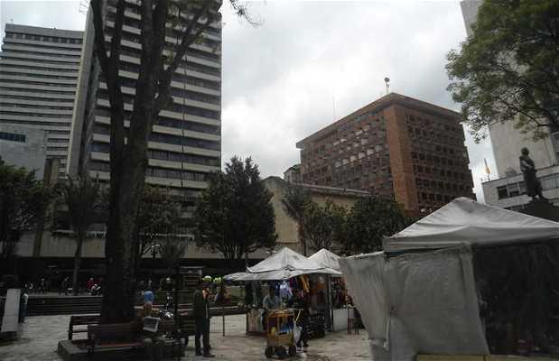 Plaza del museo de Oro