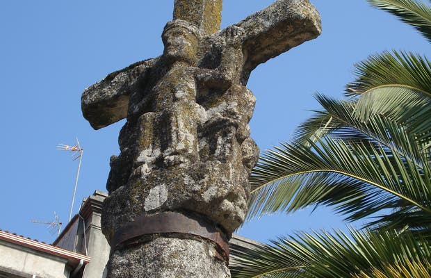 Capilla de San Roque y Cruceiro