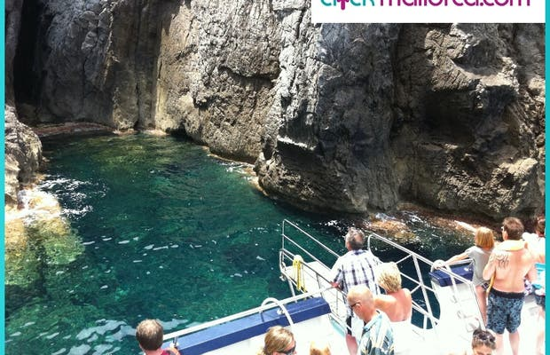 Paseo en barca en la bahía de Alcudia